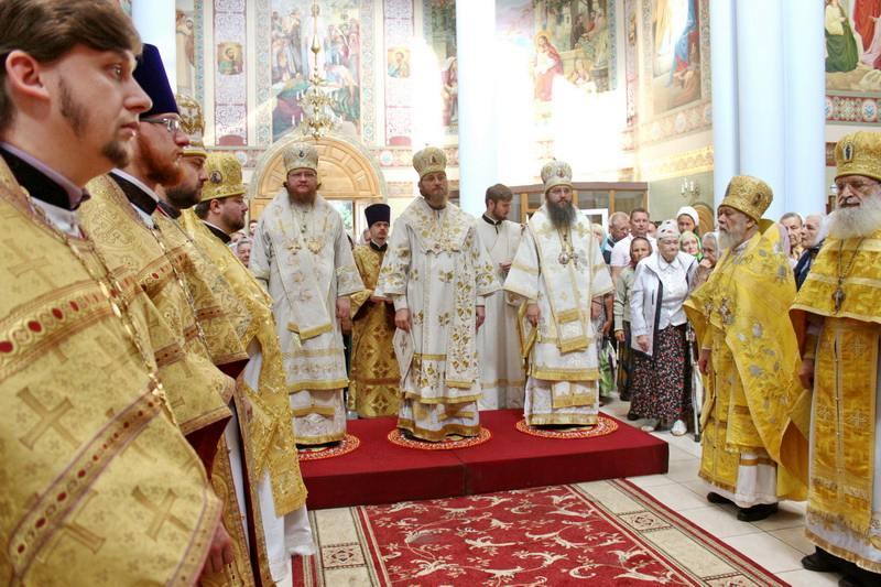 Епископ Феодосий принял участие в престольном празднике столичного прихода в честь равноапостольной княгини Ольги