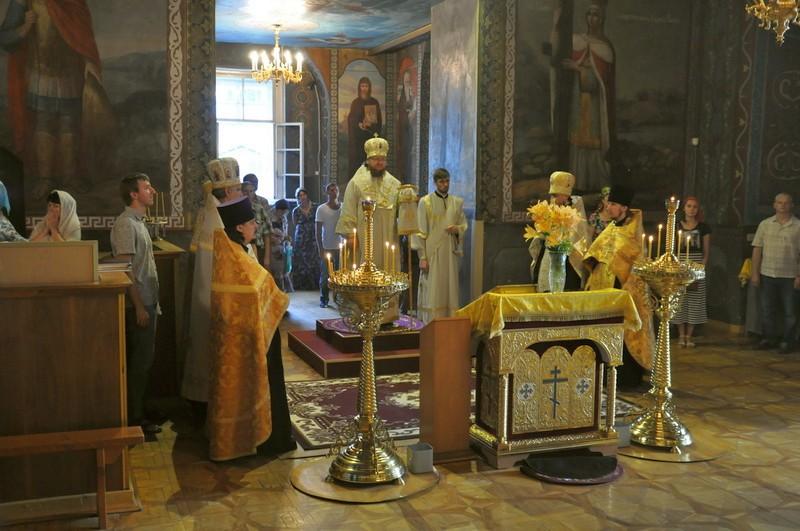 Єпископ Боярський Феодосій звершив всенічне бдіння напередодні Неділі 2-ї після П'ятидесятниці
