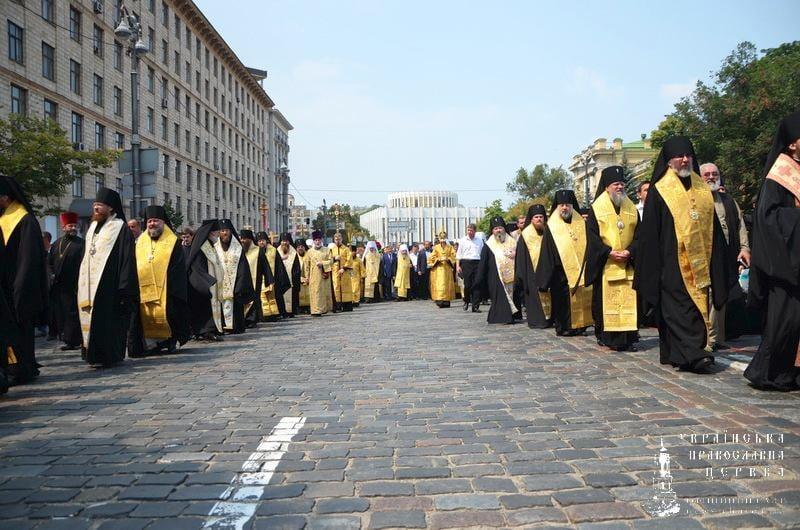 Єпископ Боярський Феодосій взяв участь у багатотисячному хресному ході до Києво-Печерської Лаври (+ВІДЕО)
