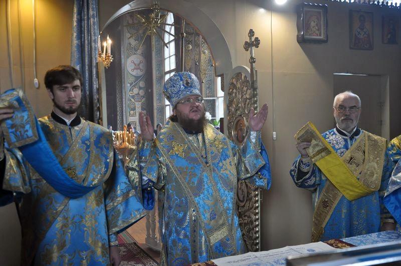 Епископ Боярский Феодосий совершил Литургию в день праздника Рождества Богородицы