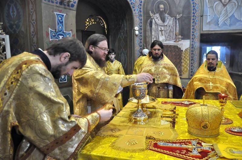 Епископ Боярский Феодосий совершил Литургию в Неделю 18-ю по Пятидесятнице