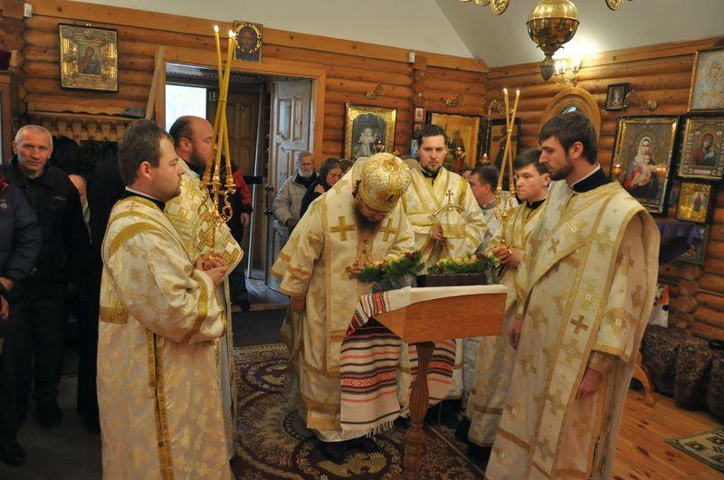 Єпископ Боярський Феодосій очолив богослужіння престольного свята в храмі св.Лазаря Чотириденного
