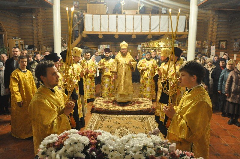 Єпископ Боярський Феодосій звершив всенічне бдіння у храмі на честь святителя Іоасафа Білгородського
