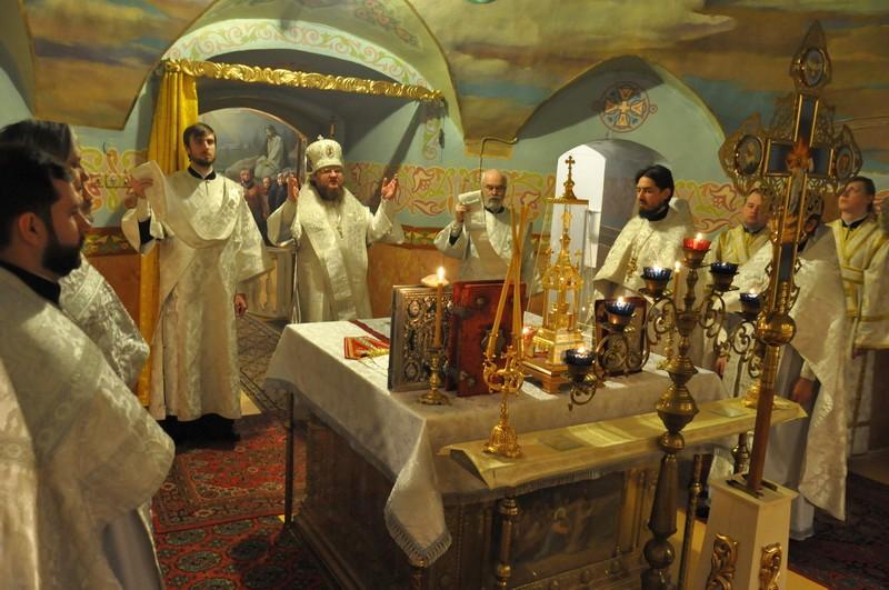 Епископ Боярский Феодосий совершил богослужение малого престольного праздника в Кресто-Воздвиженском храме