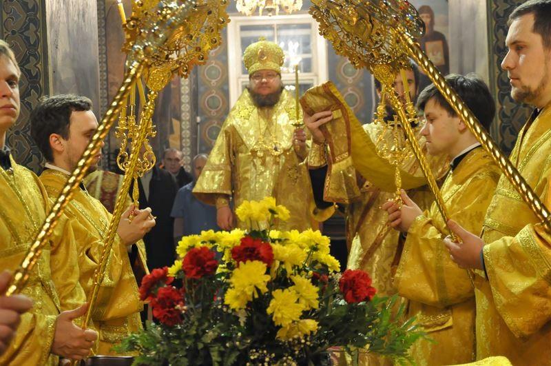 Епископ Боярский Феодосий совершил всенощное бдение накануне Недели 27-й по Пятидесятнице