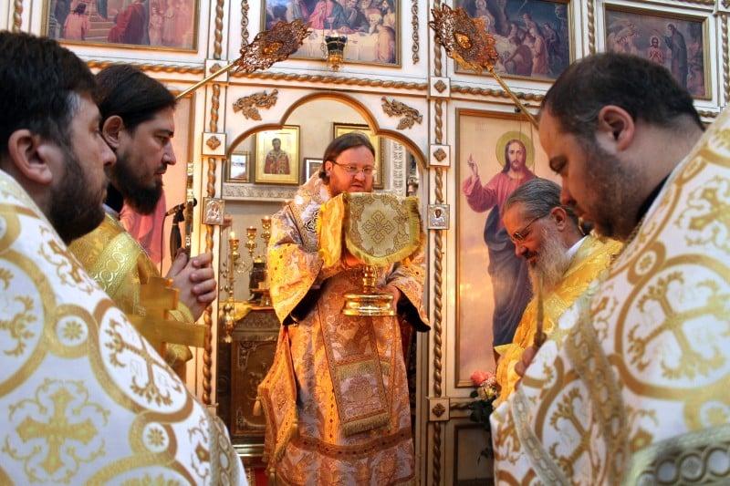 Єпископ Боярський Феодосій звершив Божественну Літургію в Свято-Амвросіївському храмі міста Мілана (Італія)