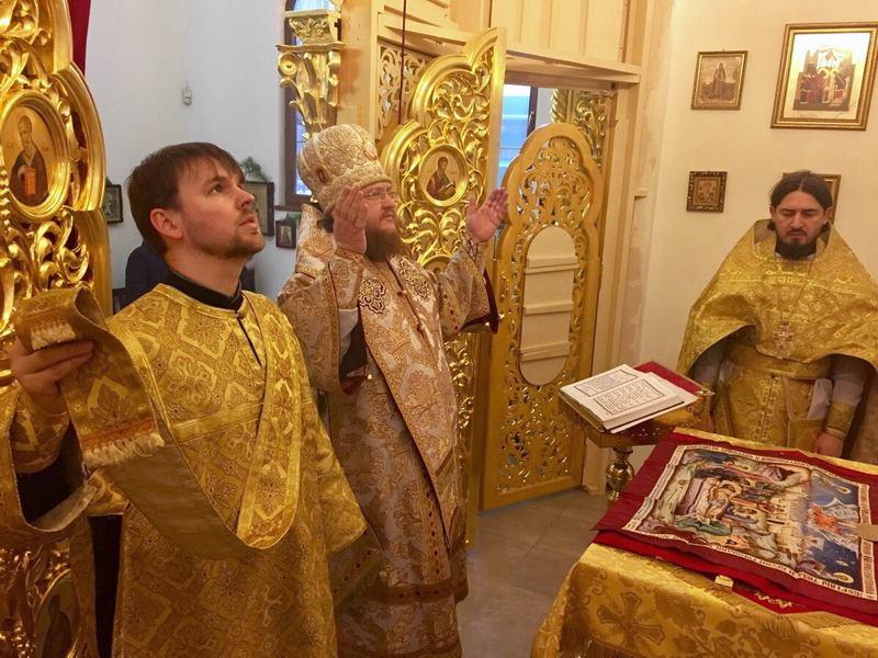 Єпископ Боярський Феодосій звершив Божественну літургію у Введенському Обиденному храмі на Теремках