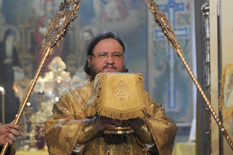 Епископ Боярский Феодосий совершил Литургию в Неделю сыропустную