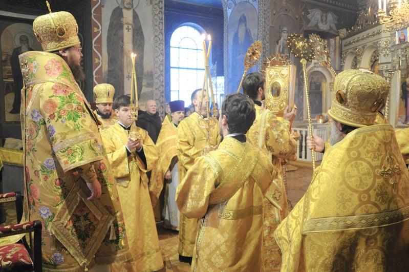 Єпископ Боярський Феодосій звершив Літургію в Неділю про митаря і фарисея