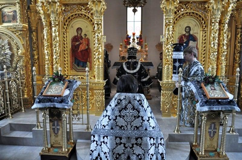 Єпископ Боярський Феодосій звершив Літургію Передосвячених Дарів у Введенському Обиденному храмі на Теремках