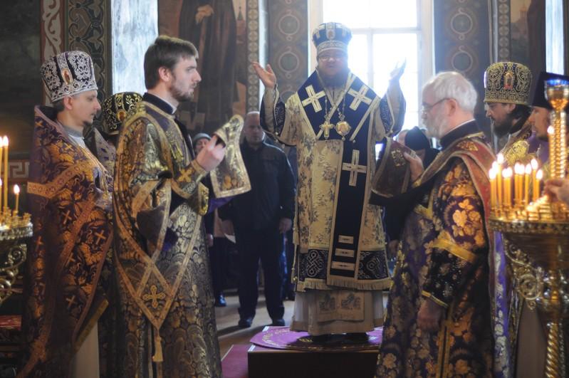 Епископ Боярский Феодосий совершил Литургию в Неделю 4-ю Великого поста