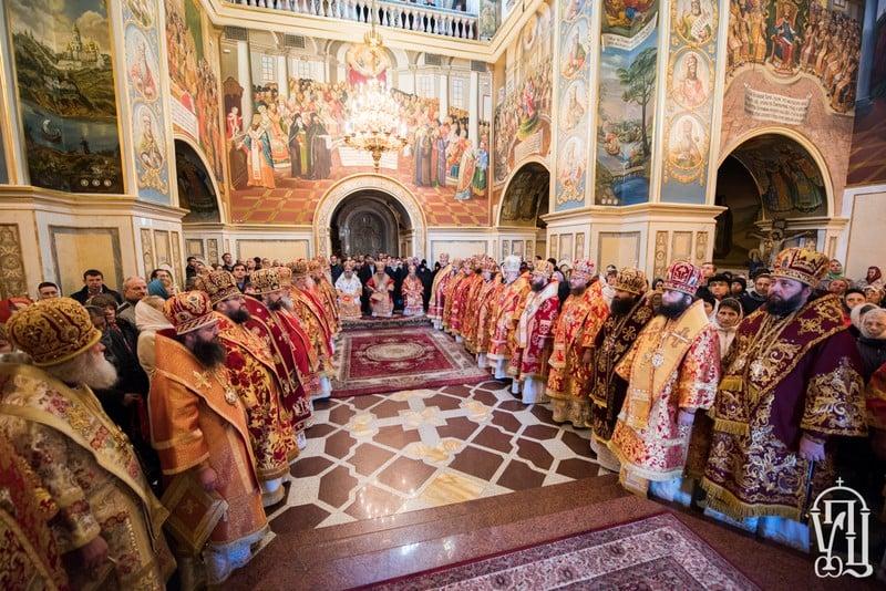 В Светлую Среду епископ Боярский Феодосий сослужил Предстоятелю УПЦ в Успенском соборе Киево-Печерской Лавры