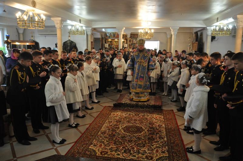 У свято Благовіщення Пресвятої Богородиці єпископ Боярський Феодосій звершив Літургію в Петропавлівському храмі на Нивках