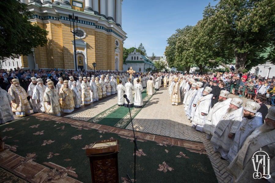 Епископ Боярский Феодосий принял участие в торжественных богослужениях по случаю 25-летия Харьковского Архиерейского Собора (+ВИДЕО)