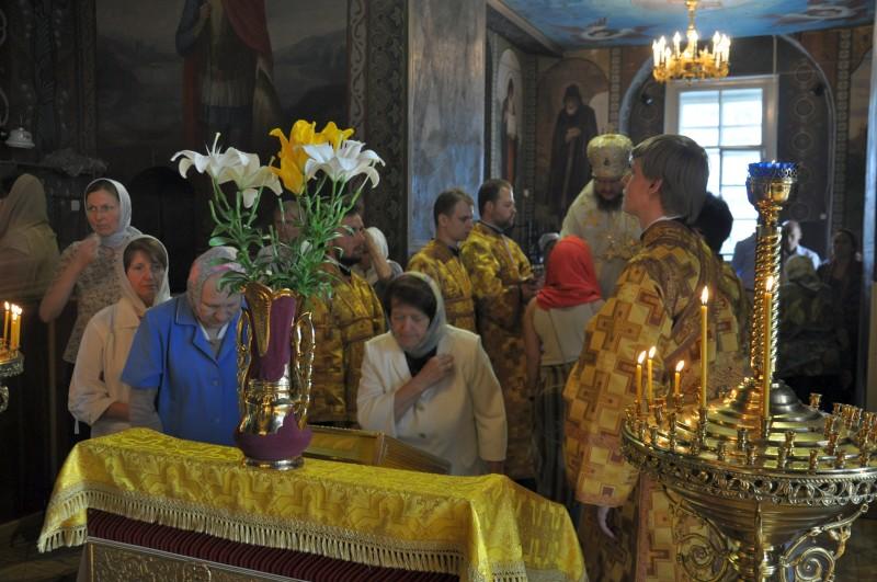 Епископ Боярский Феодосий совершил всенощное бдение накануне Недели 5-й по Пятидесятнице
