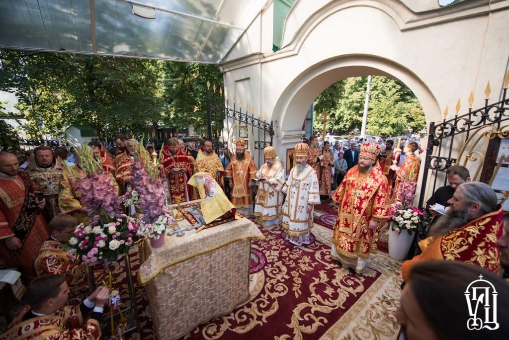 Архієпископ Боярський Феодосій співслужив Предстоятелю в день престольного свята Іллінського храму