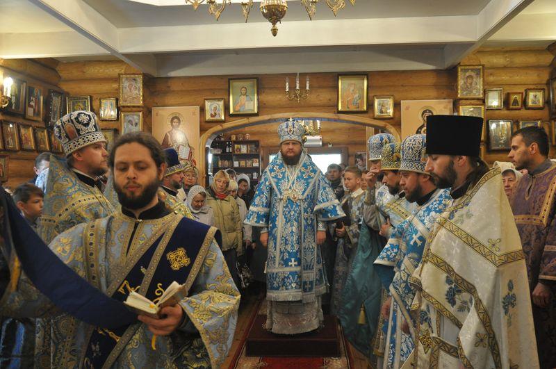 У день престольного свята архієпископ Боярський Феодосій очолив Божественну літургію в храмі при 4-му пологовому будинку м.Києва