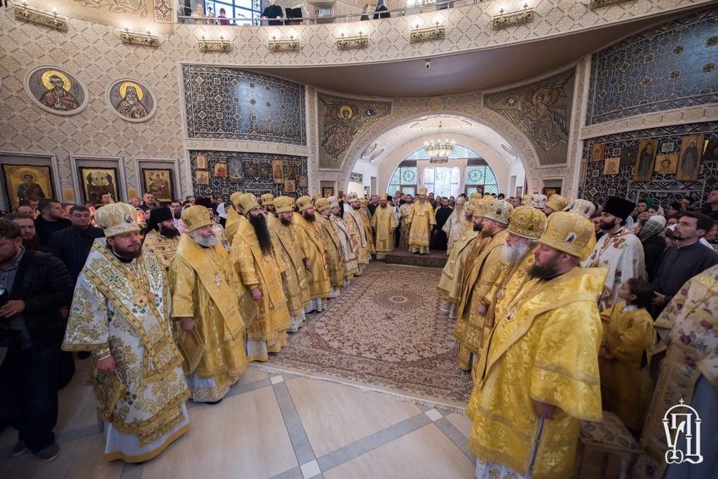 Архиепископ Боярский Феодосий сослужил Предстоятелю УПЦ в Спасо-Преображенском соборе столицы (+ВИДЕО)