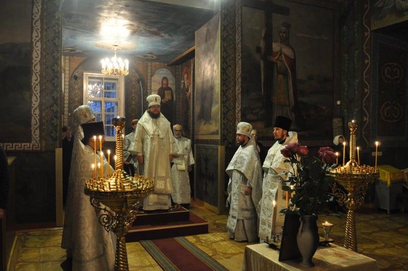 Архиепископ Боярский Феодосий совершил заупокойные богослужения по новопреставленному протоиерею Андрею Печнику