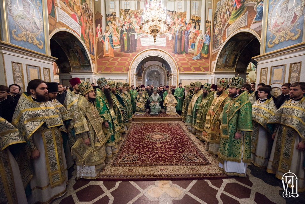 Архієпископ Боярський Феодосій співслужив Предстоятелю в день пам'яті прп.Нестора Літописця (+ВІДЕО)