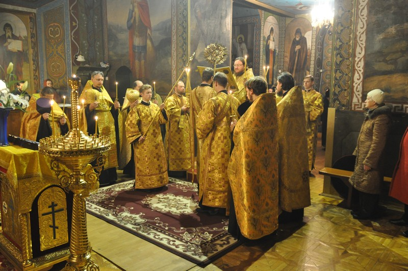 Архиепископ Боярский Феодосий совершил всенощное бдение накануне Недели 22-й по Пятидесятнице