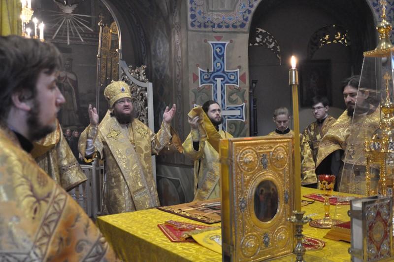 Архиепископ Боярский Феодосий совершил Литургию в Неделю 24-ю по Пятидесятнице