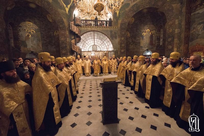 Напередодні Неділі святих праотців архієпископ Боярський Феодосій співслужив Предстоятелю у Києво-Печерській Лаврі