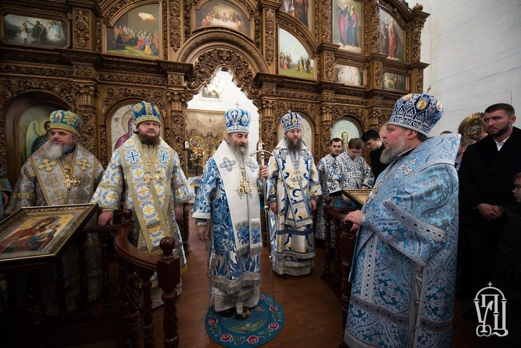 Архієпископ Боярський Феодосій співслужив Предстоятелю при освяченні найстарішого дерев'яного храму Києва (+ВІДЕО)