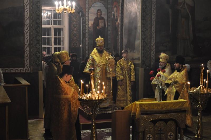 Архиепископ Боярский Феодосий совершил всенощное бдение накануне Недели о блудном сыне