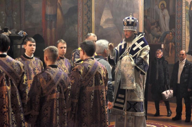 Архиепископ Боярский Феодосий совершил всенощное бдение накануне Недели 2-й Великого поста