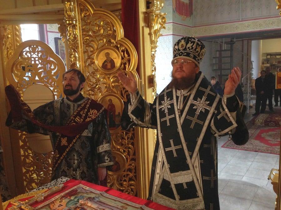 Архієпископ Боярський Феодосій звершив Літургію Передосвячених Дарів у Введенському Обиденному храмі на Теремках