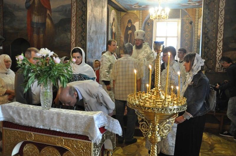 Архиепископ Боярский Феодосий совершил всенощное бдение накануне праздника Вознесения Господня