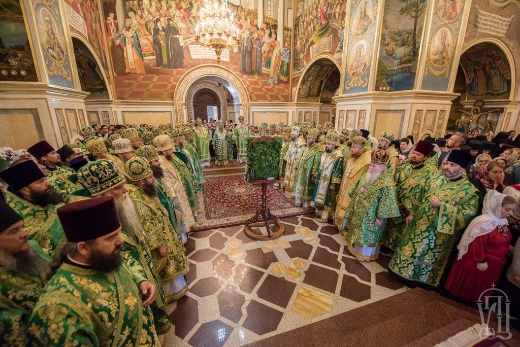 Напередодні дня пам'яті прп.Онуфрія архієпископ Боярський Феодосій співслужив Предстоятелю у Києво-Печерській Лаврі