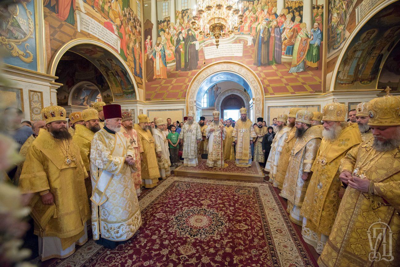 Накануне праздника апп.Петра и Павла архиепископ Боярский Феодосий сослужил Предстоятелю УПЦ в Киево-Печерской Лавре (+ВИДЕО)