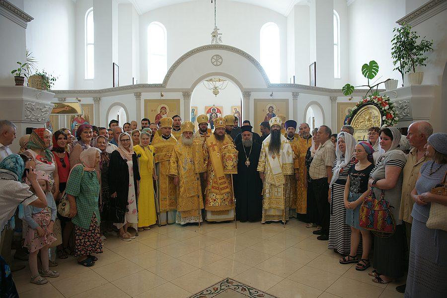Архієпископ Боярський Феодосій очолив престольне свято в Андрія-Володимирському храмі Кафедрального собору УПЦ