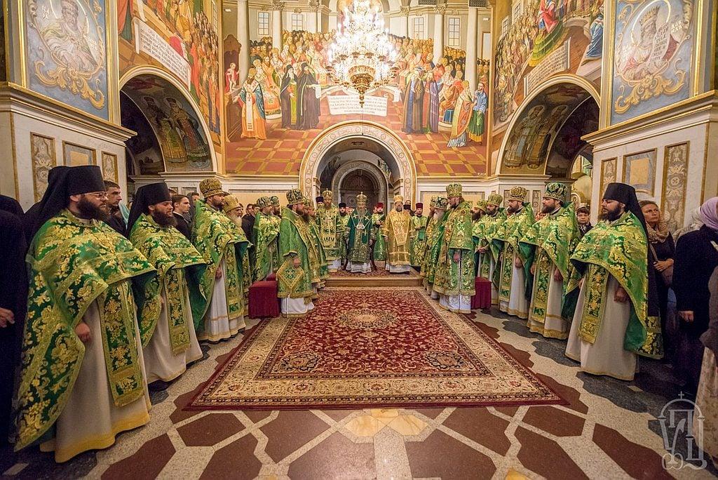 Архієпископ Феодосій співслужив Предстоятелю за Божественною літургією у Києво-Печерській Лаврі (+ВІДЕО)