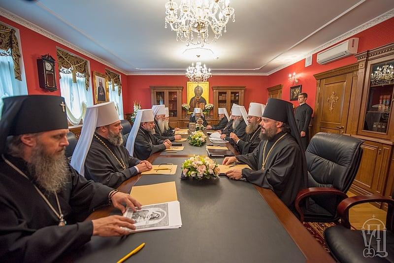 Синод закликав Константинопольський Патріархат припинити втручання у внутрішні справи УПЦ