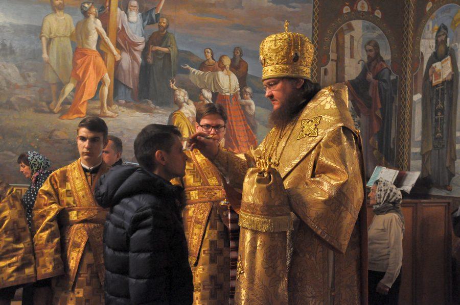 Архиепископ Феодосий совершил всенощное бдение накануне Недели 22-й по Пятидесятнице