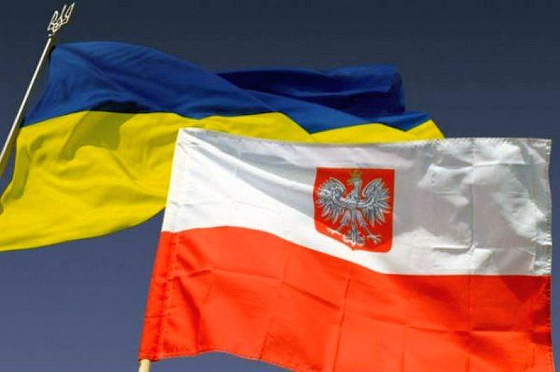 Архиепископ Феодосий поблагодарил посла Польши в Украине за твердую каноническую поддержку УПЦ Польской Православной Церковью