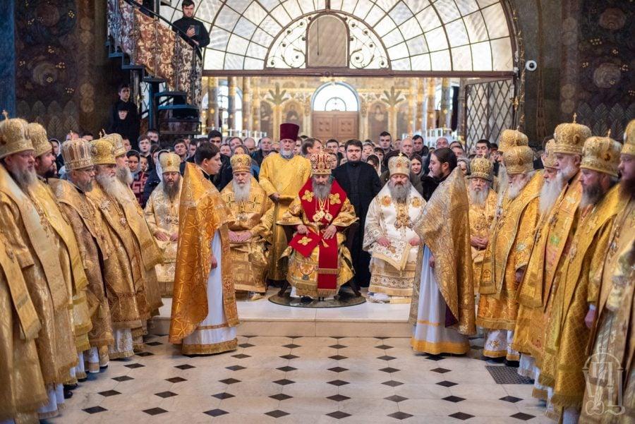 У день святкування 28-річчя з дня архієрейської хіротонії Предстоятеля УПЦ архієпископ Феодосій співслужив Блаженнішому митрополиту Онуфрію в Києво-Печерській лаврі (+ВІДЕО)