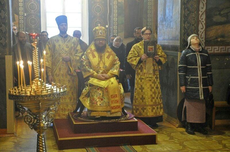 Архиепископ Феодосий совершил Литургию в Неделю 31-ю по Пятидесятнице