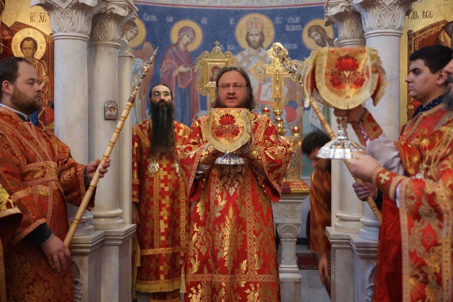 Архієпископи Боярський Феодосій і Бородянський Варсонофій звершили богослужіння престольного свята в Свято-Варваринському храмі на Лук'янівці