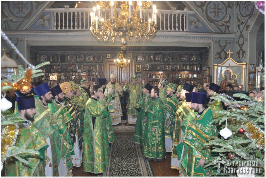 Архієпископ Феодосій очолив богослужіння престольного свята у храмі преподобного Серафима Саровського