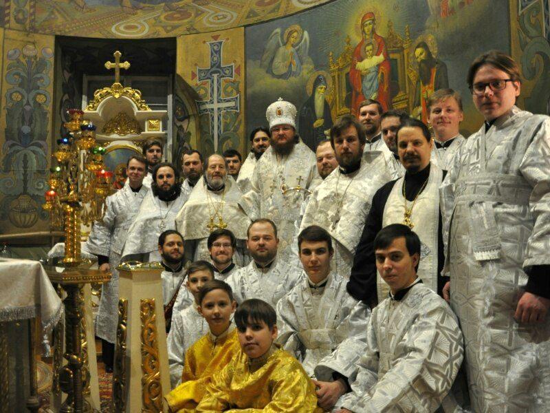 Архієпископ Феодосій звершив нічну Божественну літургію в свято Різдва Христового