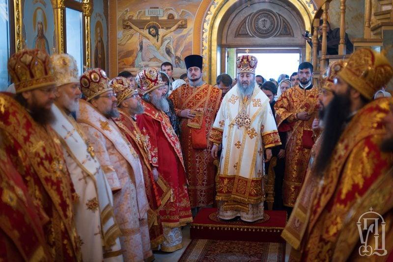 Архиепископ Феодосий сослужил Предстоятелю УПЦ в Свято-Анастасиевском монастыре с.Ковалевка (+ВИДЕО)