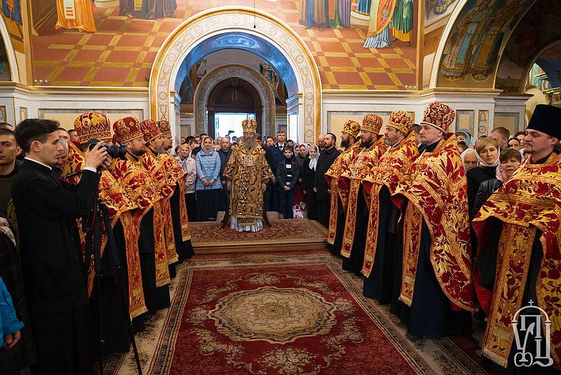 Архиепископ Феодосий принял участие в поздравлении Предстоятеля УПЦ по случаю праздника Пасхи