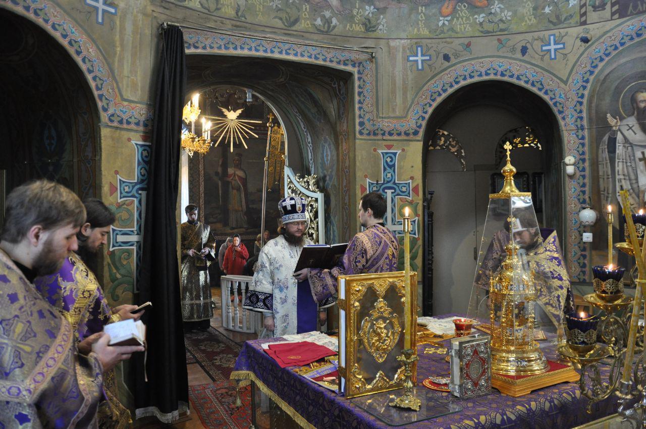 Архієпископ Феодосій звершив Літургію в Неділю 5-ту Великого посту