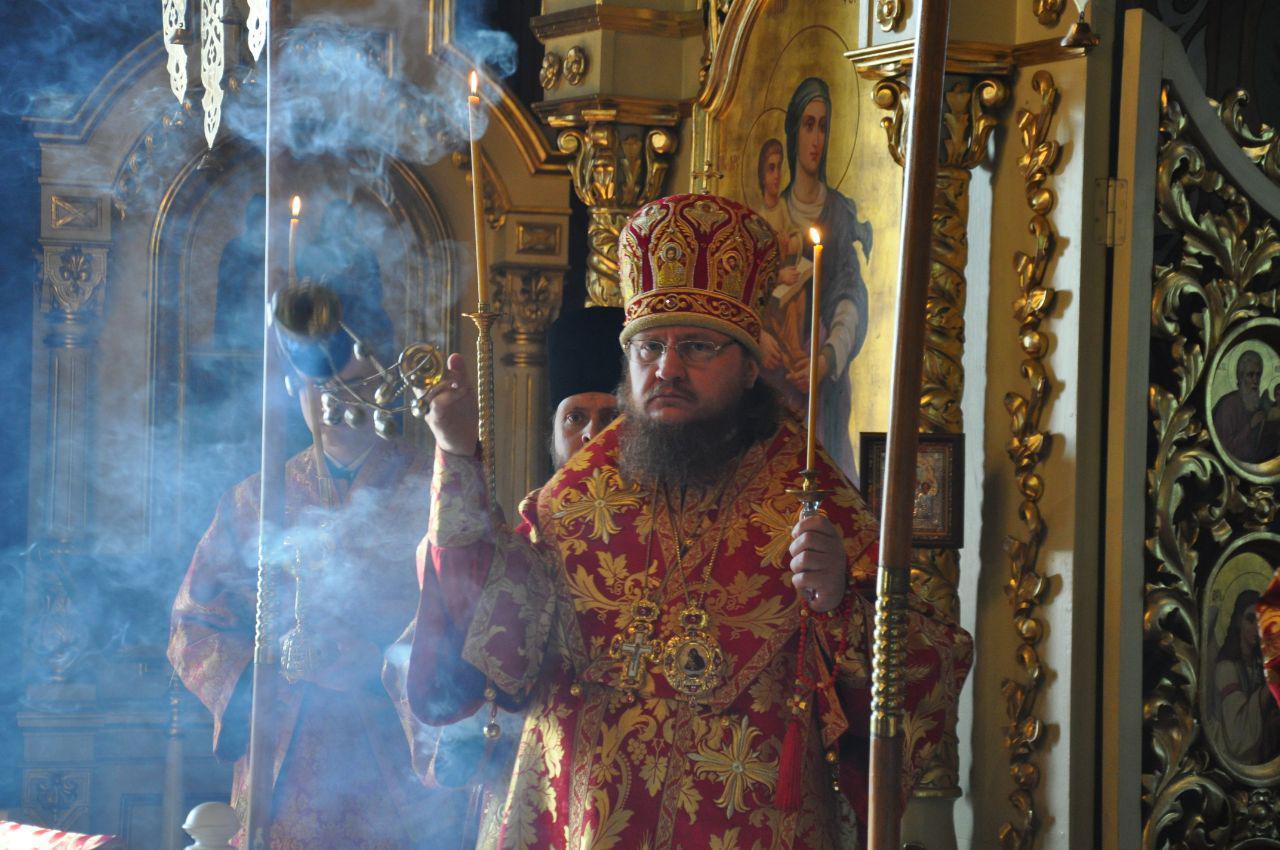 Архієпископ Феодосій звершив всенічне бдіння Неділі 2-ї після Пасхи, апостола Фоми