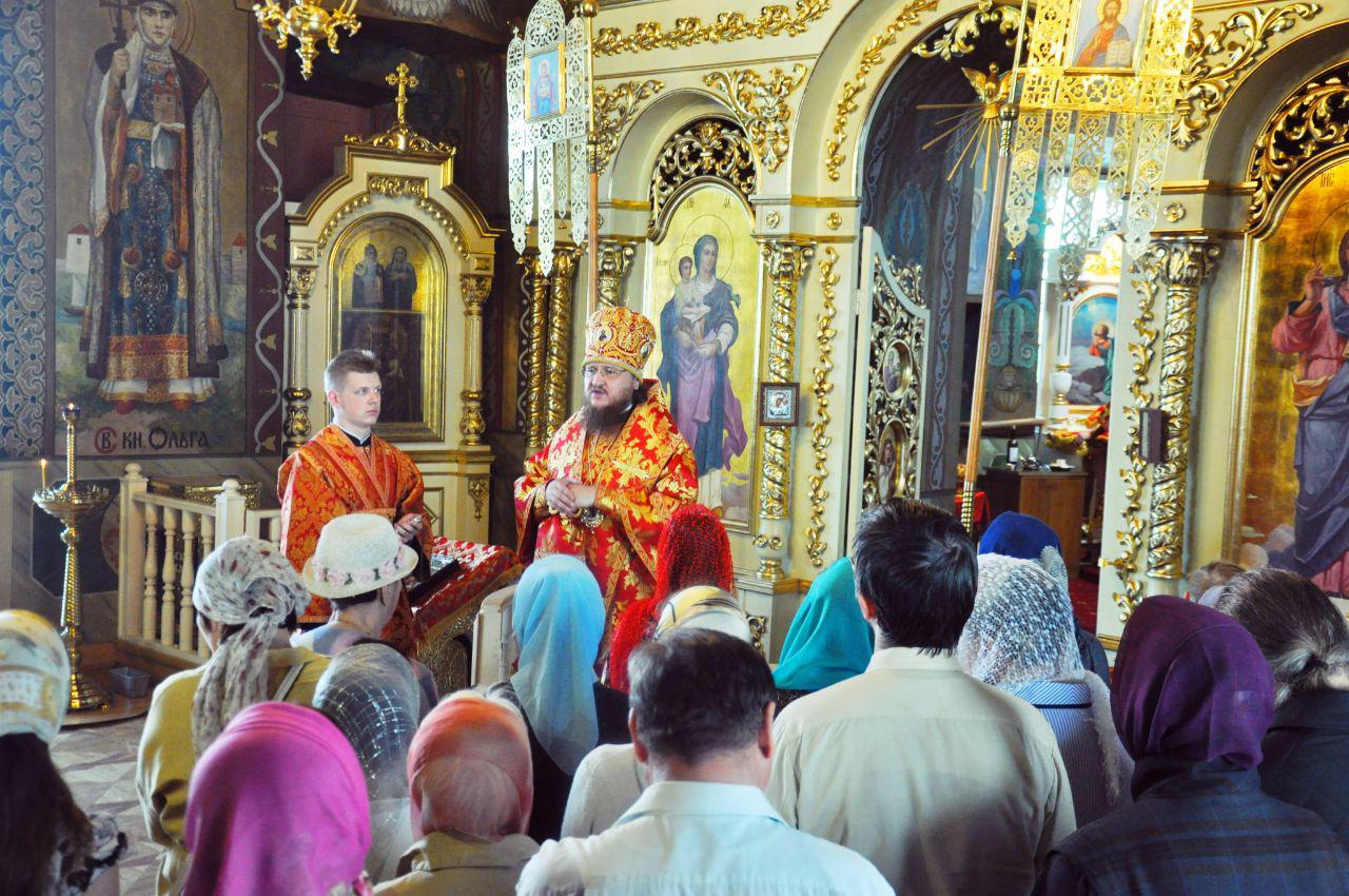 Архиепископ Феодосий совершил Литургию в Неделю 4-ю по Пасхе