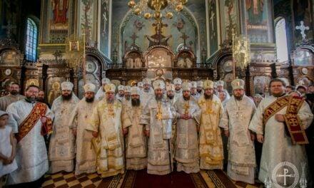 Керуючий справами УПЦ митрополит Антоній очолив соборну архієрейську Літургію в храмі Північного київського  (+ВІДЕО)